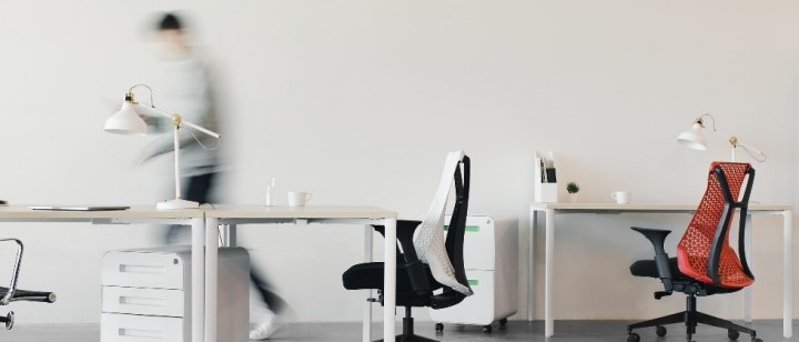 How to design a small office Office Reality White Walls