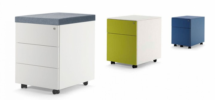 Pedestals with seat pad (2)