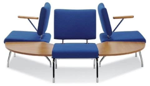 Konnect Chairs With Two 90 Degree Tables