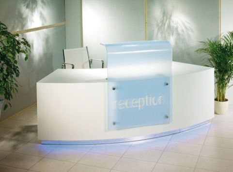 Evo Z Curved Reception Desk Mood Shot 3