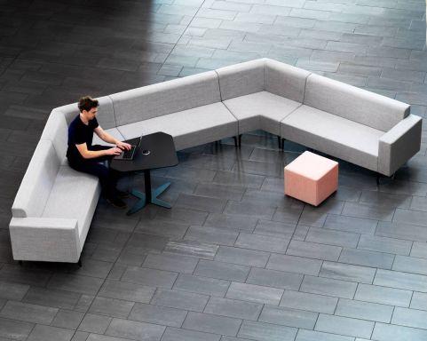 Skyline-layout-with-dash-stool