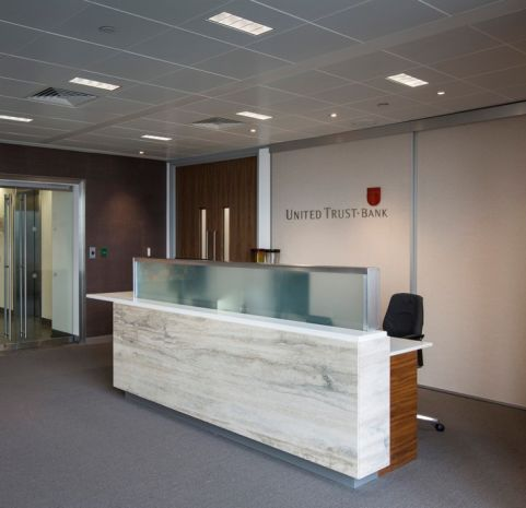 United Trust Bank 04